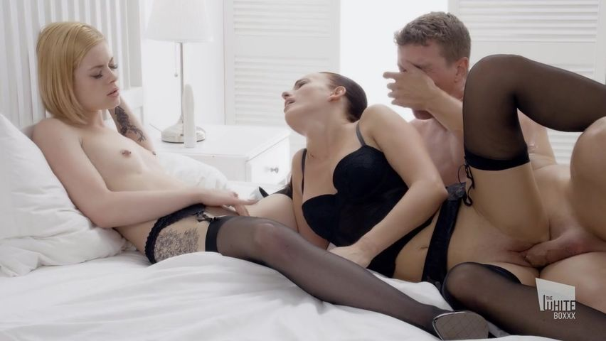 Milf Daughter Threesome Squirt