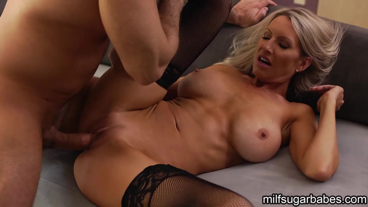 Gifs Sexy Milf Office